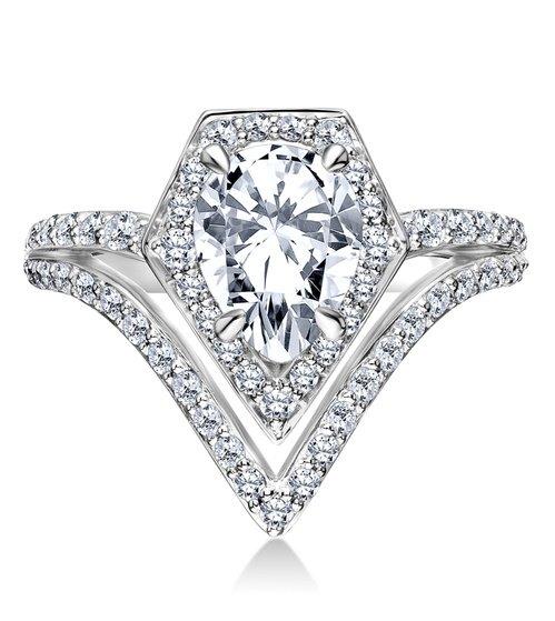 Az első eljegyzési gyűrű, amit Karl Lagerfeld tervezett